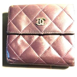 100% Authentic Chanel leather wallet  / used